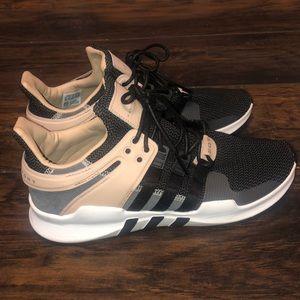 Adidas shoes women sz 10